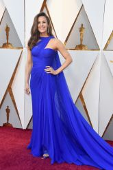 Jennifer Garner - The colour of this dress is gorgeous, it's so beautiful and just makes her look stunning.