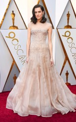Allison Williams - I am loving this gown. It is just everything!